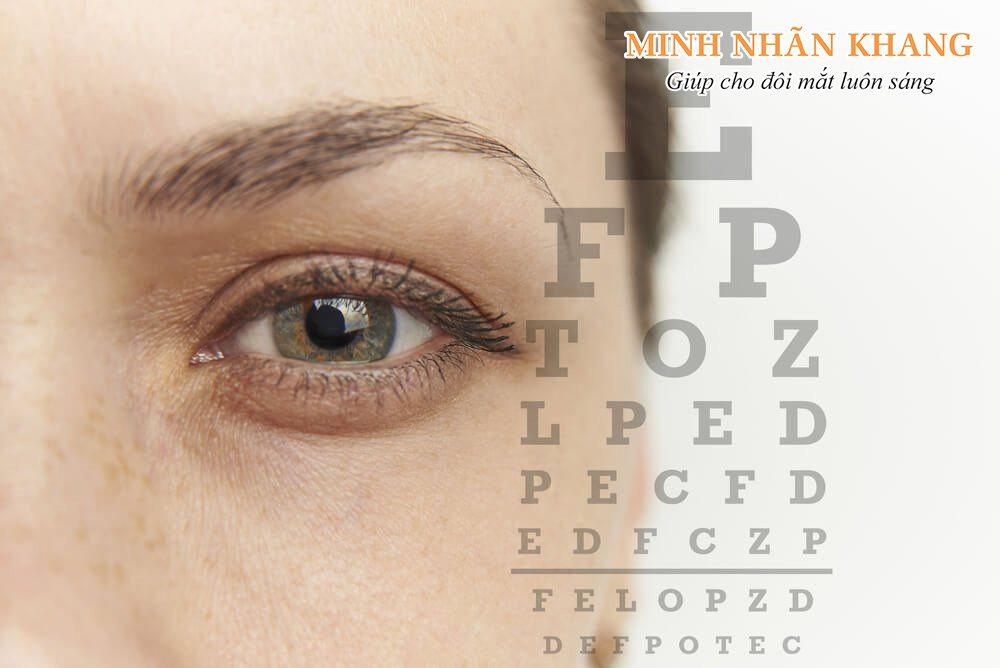 Mắt bị mờ một bên có thể do nhiều nguyên nhân gây ra